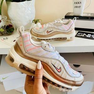 NWT Nike Air Max 98